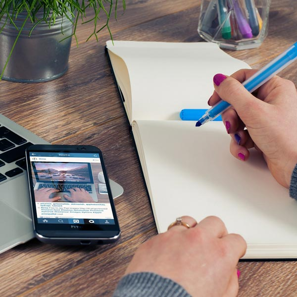 Six things copywriters can learn from social media